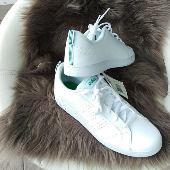 adidas cloudfoam vantaggio le donne scarpe poshmark